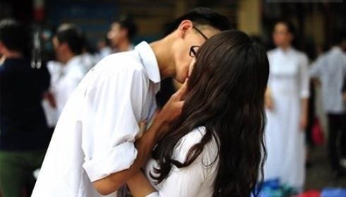 Nhiều trẻ dưới 15 tuổi mắc bệnh tình dục do quan hệ sớm - Ảnh 1.