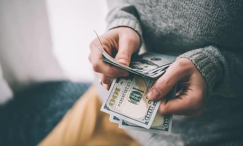 6 sai lầm về tiền bạc của người trẻ - Ảnh 1.