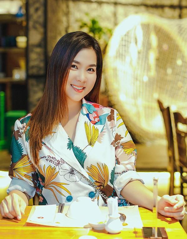 Em gái hoa hậu mừng Kha Ly chiến thắng cuộc thi hát bolero - Ảnh 3.