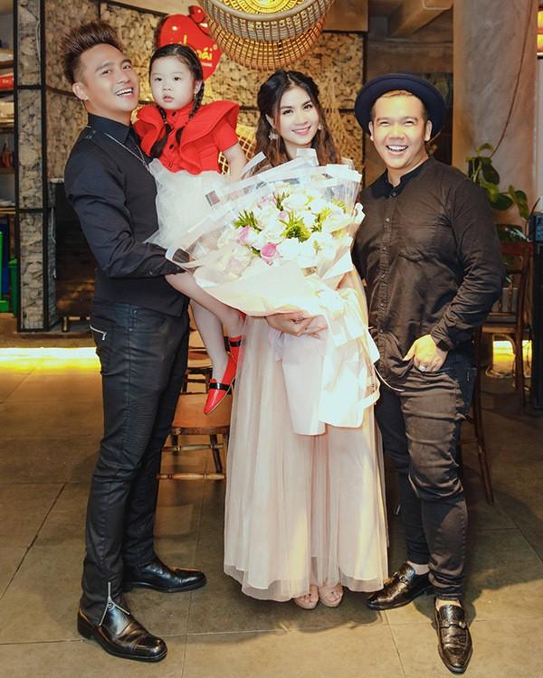 Em gái hoa hậu mừng Kha Ly chiến thắng cuộc thi hát bolero - Ảnh 7.