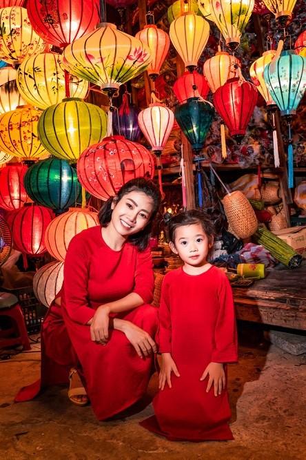 Diễn viên Mai Phương dẫn con gái đi du lịch Hội An sau bạo bệnh - Ảnh 4.
