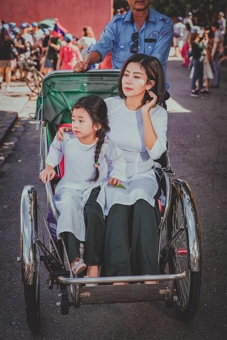 Diễn viên Mai Phương dẫn con gái đi du lịch Hội An sau bạo bệnh - Ảnh 10.