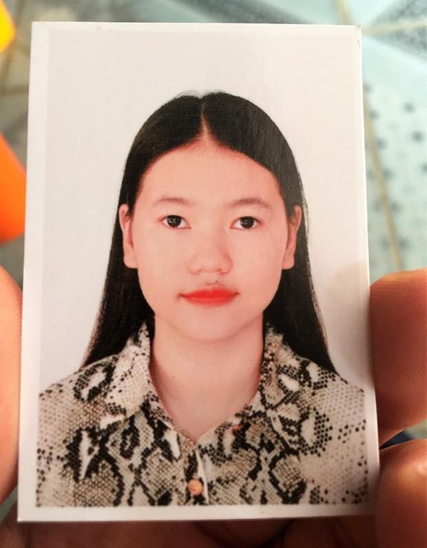 Bố mẹ thiếu nữ Việt nghi mất tích ở Anh tiết lộ thông tin bất ngờ: Con chúng tôi đi du lịch và ở lại thăm bà con, bạn bè - Ảnh 1.