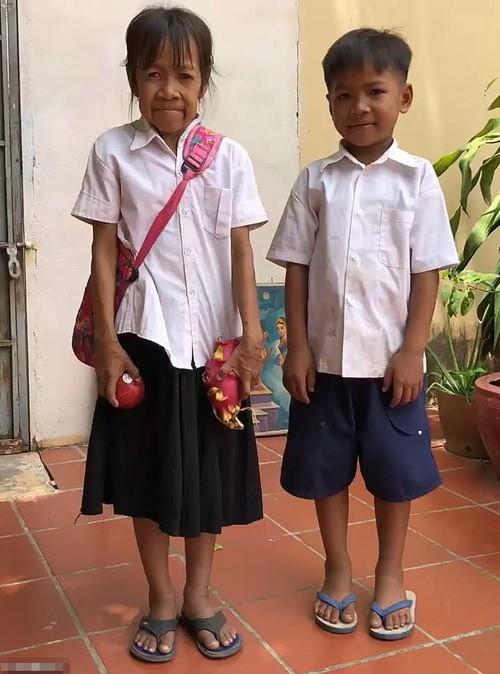 Bé gái Campuchia 10 tuổi già như bà lão 60 - Ảnh 1.
