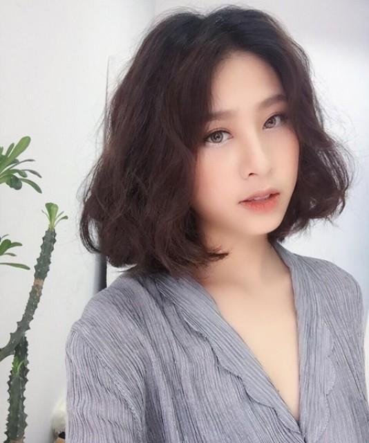 Những kiểu tóc chứng minh nâng tầm nhan sắc cực đơn giản - Ảnh 3.