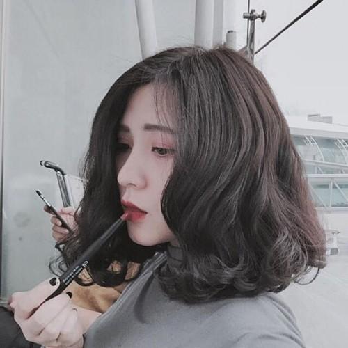 Những kiểu tóc chứng minh nâng tầm nhan sắc cực đơn giản - Ảnh 5.