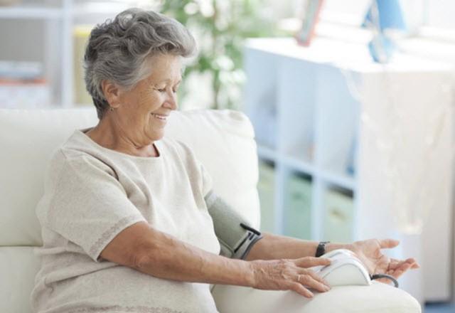 Bệnh tăng huyết áp ở người già : Nguyên nhân và cách chữa trị - Ảnh 2.