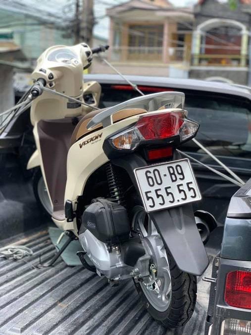 Loạt xe tay ga Honda Vison giá trăm triệu gây sốt - Ảnh 1.