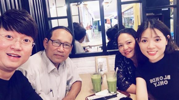 Muôn cách báo hiếu của nghệ sĩ Việt mùa Vu lan  - Ảnh 4.