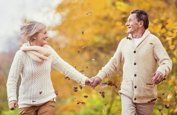 8 thói quen nên duy trì mỗi ngày, càng làm nhiều càng trường thọ - Ảnh 1.