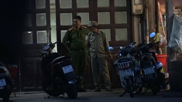 Mâu thuẫn chuyện bán nhà, em đâm anh trai ruột tử vong ở Sài Gòn - Ảnh 1.