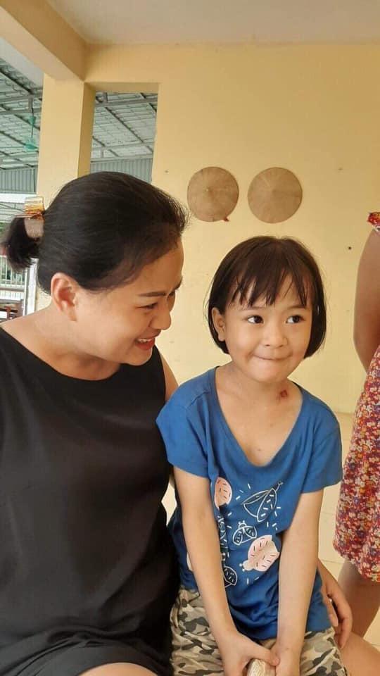Cuộc sống sau 8 năm của bé gái bị bỏ rơi ở chùa Bồ Đề khi mới 1 ngày tuổi - Ảnh 3.