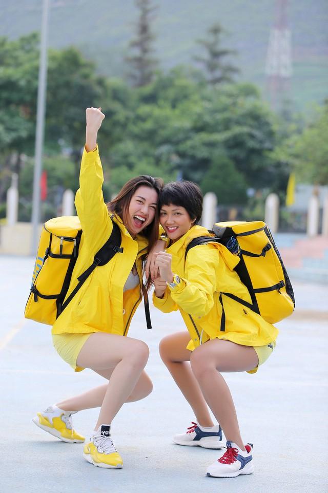 Hoa hậu HHen Niê 'ghen tị' với Đỗ Mỹ Linh khi tham gia 'Cuộc đua kỳ thú' - Ảnh 1.