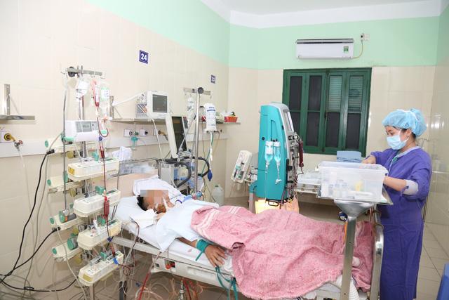 Người đàn ông Hà Nội sống lại nhờ 2 phổi của một người trẻ tuổi hiến tặng - Ảnh 1.