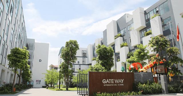 Thông tin mới nhất vụ bé lớp 1 tử vong vì bị bỏ quên trên xe đưa đón của trường Gateway - Ảnh 4.