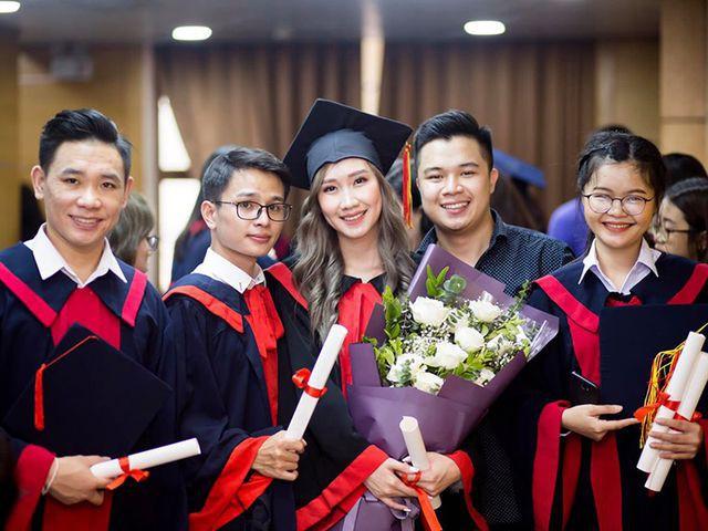 """""""Bông hồng"""" Lào gốc Việt xinh đẹp trong lễ tốt nghiệp tại Học viện Ngoại giao - Ảnh 11."""