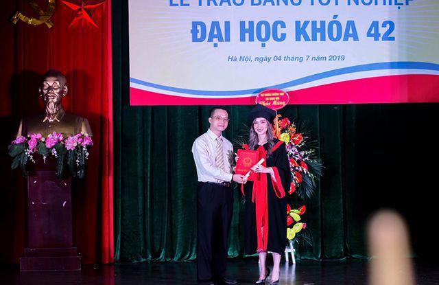 """""""Bông hồng"""" Lào gốc Việt xinh đẹp trong lễ tốt nghiệp tại Học viện Ngoại giao - Ảnh 3."""