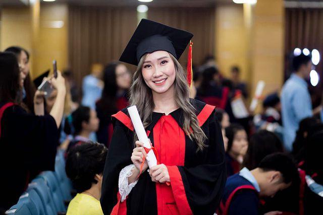 """""""Bông hồng"""" Lào gốc Việt xinh đẹp trong lễ tốt nghiệp tại Học viện Ngoại giao - Ảnh 4."""