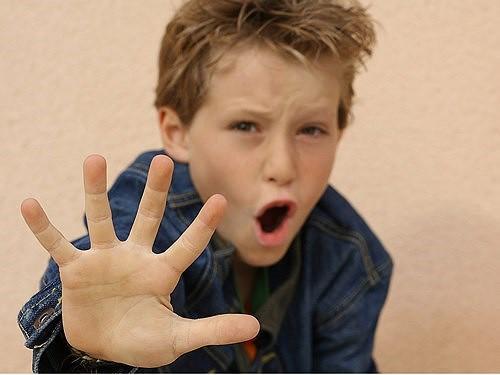 Bố mẹ sốc khi phát hiện con trai bị dậy thì vì nguyên nhân không ngờ tới - Ảnh 1.
