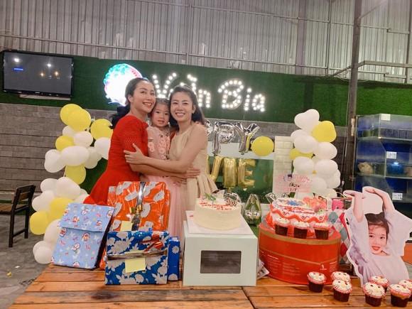 Mai Phương tổ chức tiệc sinh nhật cho con gái nhưng bình luận của Phùng Ngọc Huy lại gây tranh cãi - Ảnh 2.