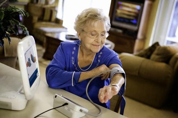 Bệnh cao huyết áp ở người già: Cách đo ở nhà thế nào cho đúng? - Ảnh 2.