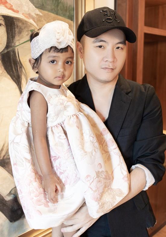 Đỗ Mạnh Cường mừng con gái nuôi tròn 3 tuổi - Ảnh 1.