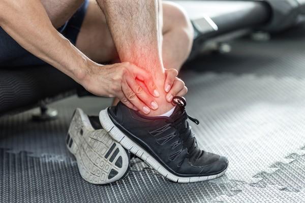 Dùng bắp cải theo cách này, bạn sẽ khỏi hẳn đau nhức xương khớp chỉ sau 1 giờ - Ảnh 1.