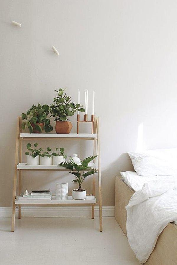 Phòng ngủ nổi bật cho nhà phố hẹp nhờ biến tấu cổ điển và cây xanh - Ảnh 7.