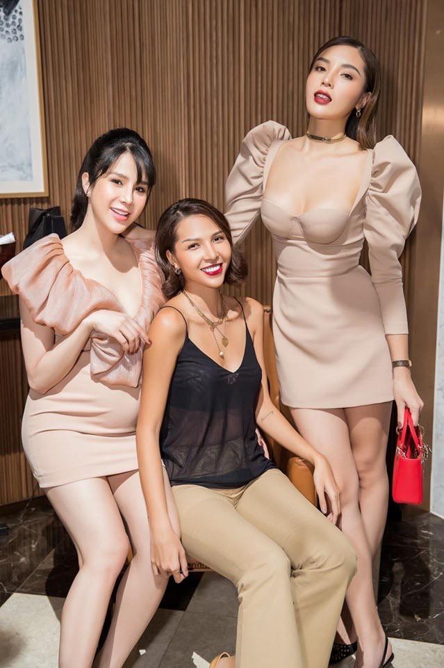 Hoa hậu Kỳ Duyên khoe ngực ngồn ngộn, lấn át cả nhân vật chính Diệp Lâm Anh - Ảnh 1.
