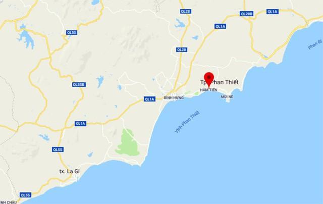 Tìm thấy thi thể 4 du khách tắm biển bị sóng cuốn ra biển - Ảnh 1.