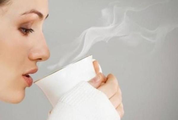 Uống mỗi ngày hai cốc nước ấm vào thời điểm này, tốt gấp nghìn lần thuốc bổ - Ảnh 1.