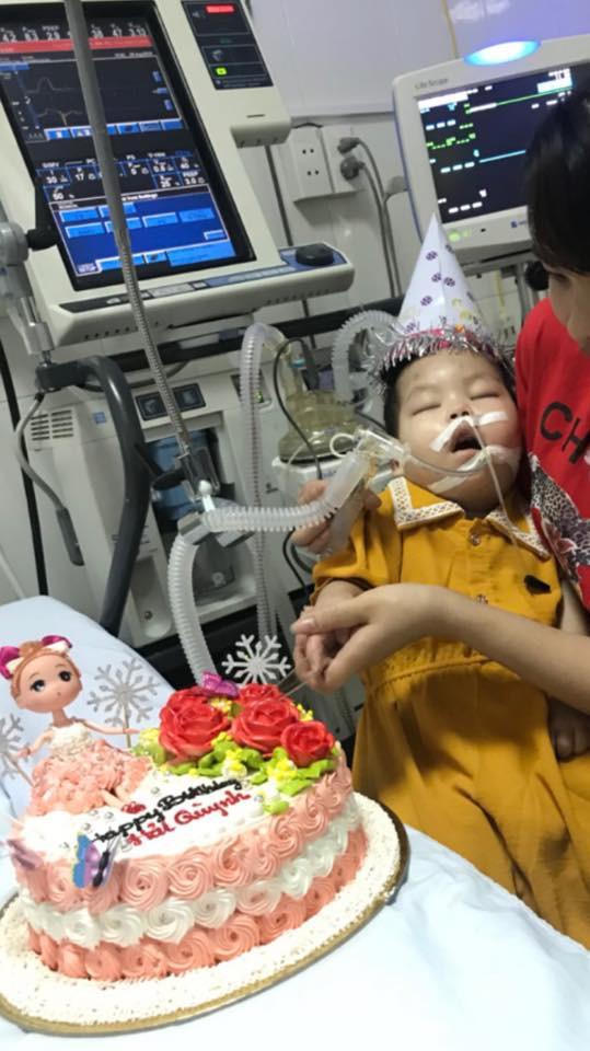Bé Hải Quỳnh đã thành thiên thần nhỏ - Ảnh 1.