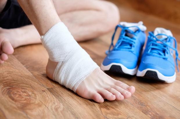 Cẩn thận với những triệu chứng kéo dài đang ngầm cảnh báo nguy cơ suy thận sắp xảy ra - Ảnh 2.