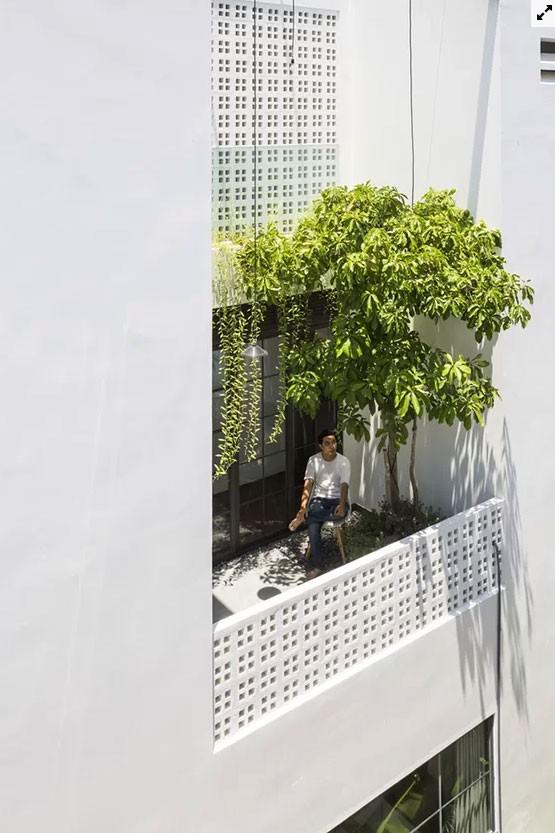 Biệt thự ẩn trong vườn khiến ông chủ chỉ thích ở nhà  - Ảnh 4.