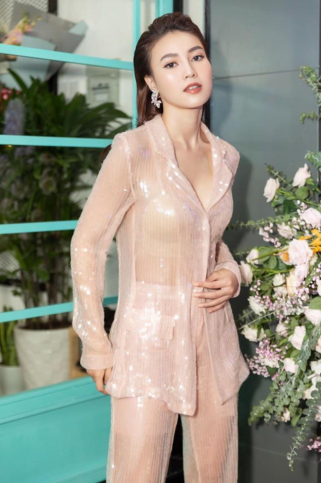 So kè style 3 nàng ngọc nữ 1990 của điện ảnh Việt: Người chăm diện đồ trễ nải, người thích diện đồ xì-tin hack tuổi triệt để  - Ảnh 21.
