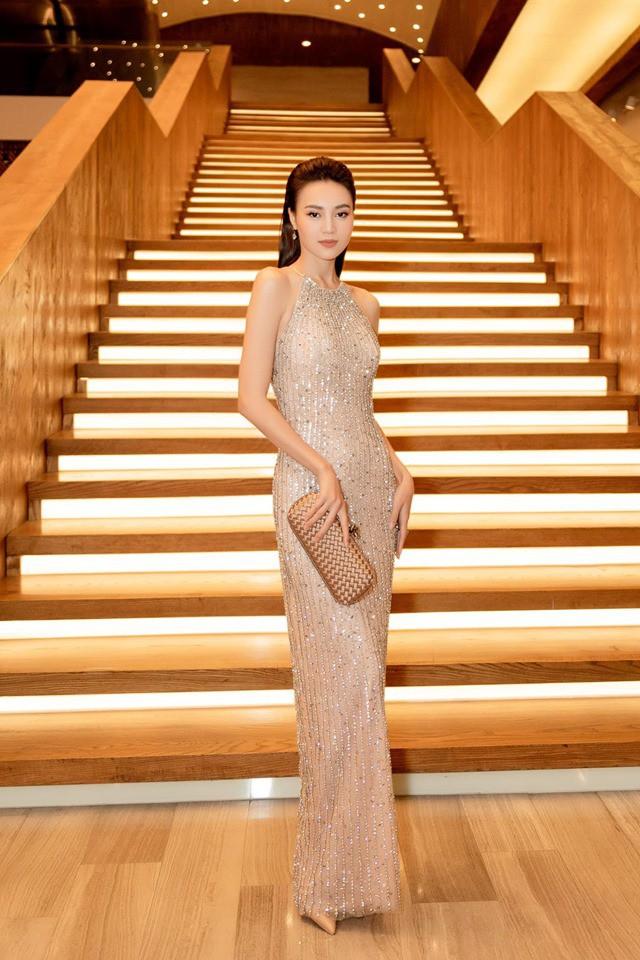 So kè style 3 nàng ngọc nữ 1990 của điện ảnh Việt: Người chăm diện đồ trễ nải, người thích diện đồ xì-tin hack tuổi triệt để  - Ảnh 24.