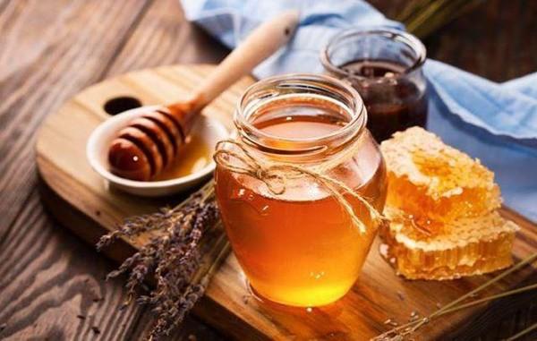Ai cũng nghĩ uống trà, ăn chuối khi đói hại dạ dày nhưng đây mới là thực phẩm cần tránh - Ảnh 6.