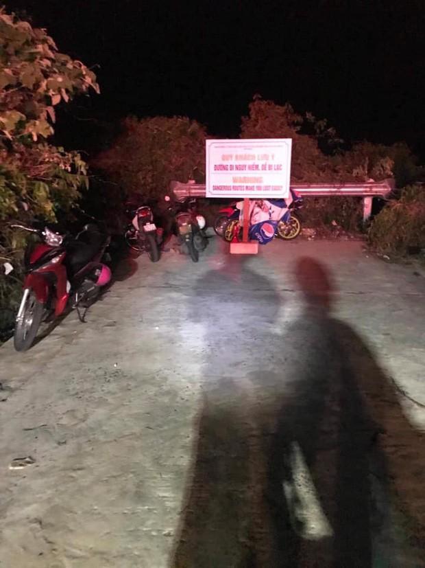 Ứng cứu nhóm du khách đi lạc tại bán đảo Sơn Trà, nam thanh niên rơi xuống vực sâu tử vong - Ảnh 1.