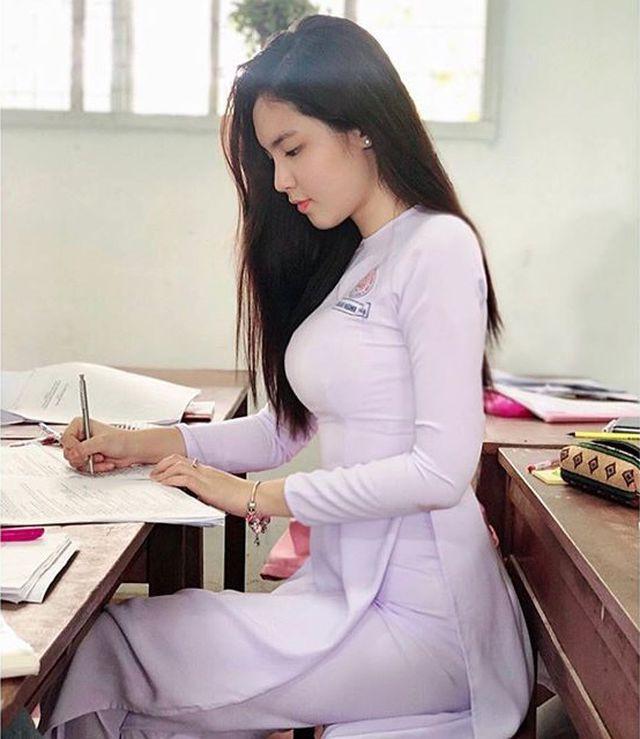 """Chân dung nữ sinh mang hai dòng máu Việt - Trung gây """"sốt"""" mạng  - Ảnh 1."""