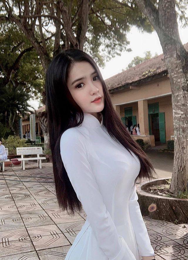 """Chân dung nữ sinh mang hai dòng máu Việt - Trung gây """"sốt"""" mạng  - Ảnh 3."""