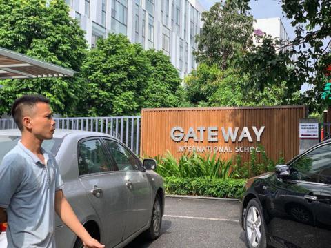 Lý giải việc cô phụ trách đưa đón học sinh trường Gateway bị bắt tạm giam - Ảnh 3.