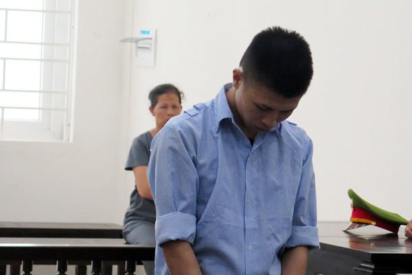 Người phụ nữ ở Hà Nội bị nhóm 9X lôi khỏi nhà, đánh giữa đêm - Ảnh 1.