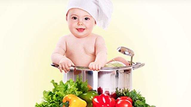 Quấy bột cho bé ăn dặm kiểu này, trẻ biếng ăn mệt mỏi và dễ cao huyết áp khi lớn lên  - Ảnh 1.