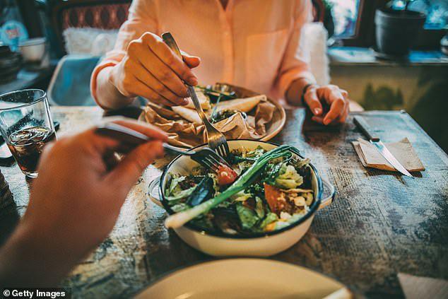 Chuyên gia Nhật chỉ ra lợi ích cực quan trọng của việc thường xuyên ăn đậu phụ và đỗ - Ảnh 1.