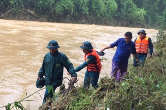 Lực lượng chức năng đã tiếp cận đươc bản Sa Ná nơi có 10 người đang mất tích - Ảnh 2.