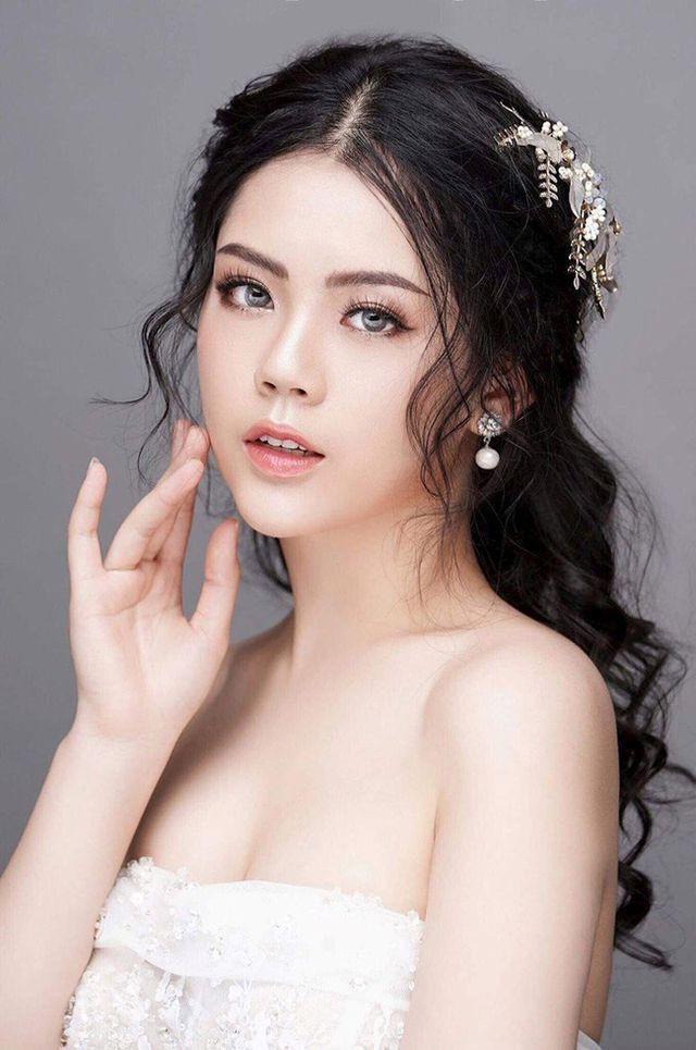 Dàn hot girl ĐH Ngoại thương xinh như hoa hậu Lương Thùy Linh - Ảnh 11.