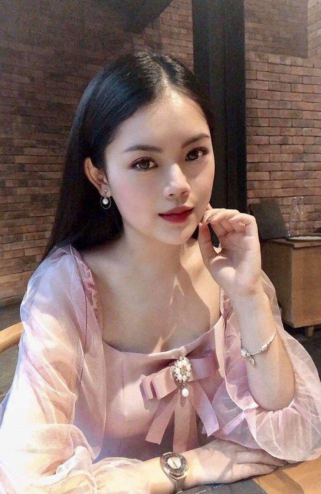 Dàn hot girl ĐH Ngoại thương xinh như hoa hậu Lương Thùy Linh - Ảnh 12.