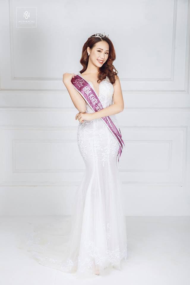 Dàn hot girl ĐH Ngoại thương xinh như hoa hậu Lương Thùy Linh - Ảnh 15.