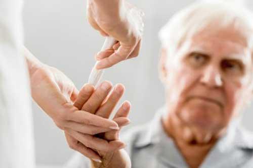 Cách điều trị đái tháo đường ở người già - Ảnh 1.