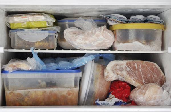 5 thói quen tích trữ vô tình biến tủ lạnh thành ổ vi khuẩn, 10 nhà 9 nhà mắc phải - Ảnh 1.